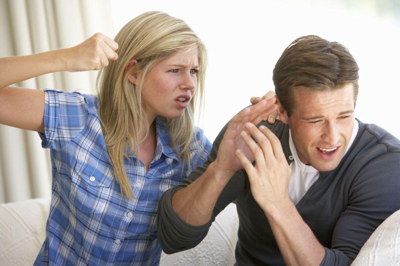 폭력적인 연인과 쉽게 헤어지지 못 하는 이유