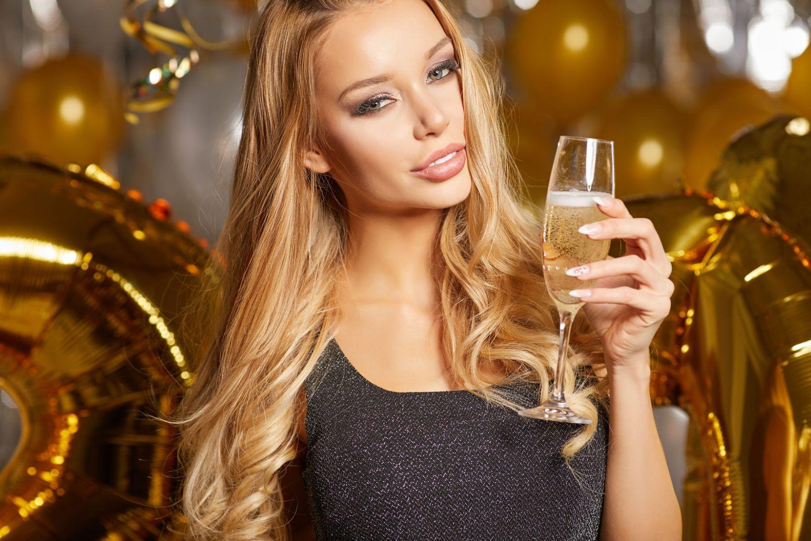 술 마시는 여자를 볼 때 남자들이 하는 생각은?